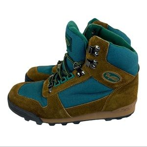 Vasque WATERPROOF boots shoes WOMENS size 7